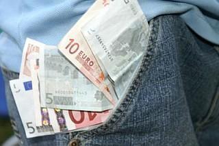Geld in der Tasche - Rechte: http://www.pixelio.de